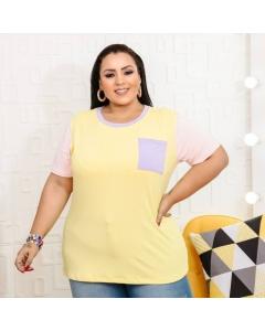 Blusa Plus Size malha Viscolycra tricolor com detalhe bolso