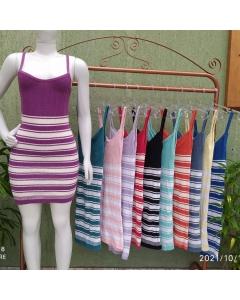 Vestido de tricot disponível em várias cores