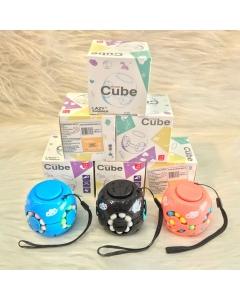 Brinquedo Cubo mágico spinner!